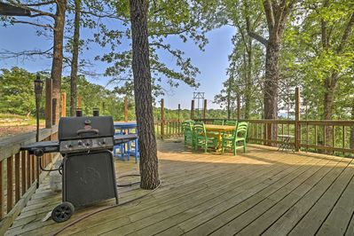 This house in Branson is perfect for 18 guests who want to get away.