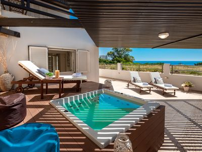 Photo for Villa Mike with outdoor jacuzzi