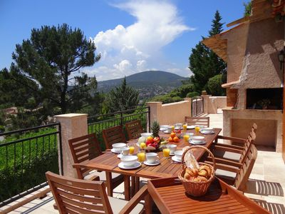Photo for Sainte Maxime: Big house, large terrace, south oriented with splendid view over the hills of St Tropez