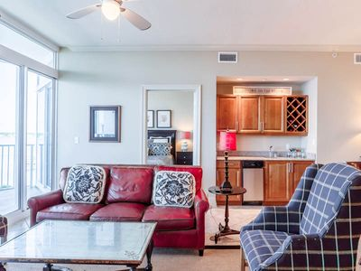 Waterfront Condo. Multiple Resort Pools and Fitness Center. Steps from the Beach!