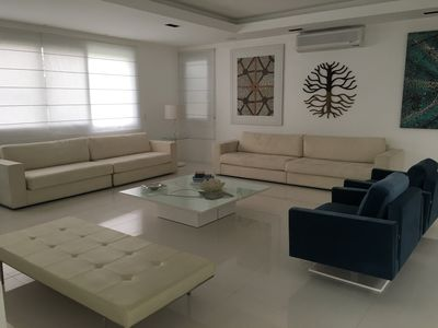 Photo for Beautiful house with 6 suites! Modern with Sea View from Jurere Internacional!