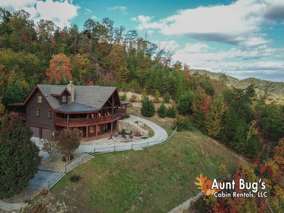 Peachy Private Smoky Mountain Lodge W Incredible Video Arcade Game Room Views Pigeon Forge Home Interior And Landscaping Pimpapssignezvosmurscom
