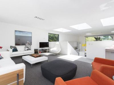 Photo for 5BR Villa Vacation Rental in London