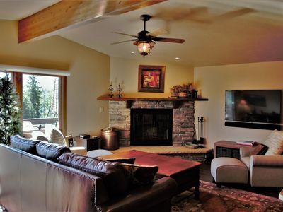Photo for Beautiful Townhome Short Walk to Slopes at Purgatory Ski Resort, Views, Grill