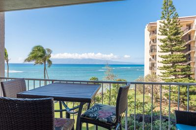Royal Kahana 407 - views of the Pacific and the Island of Molokai