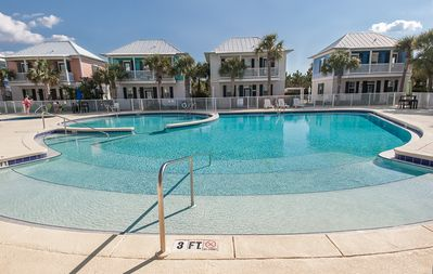 Photo for Family/DOG Friendly + 2 FREE BIKES, Gas Grill, Beach Chairs, Ice Cooler w/Wheels