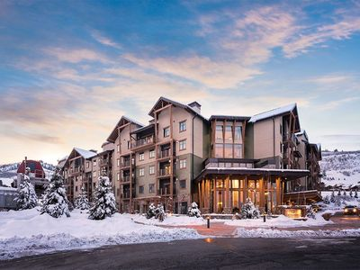 Photo for Luxurious 2 bedroom/2 bath suite, ski mountain! Best rates!