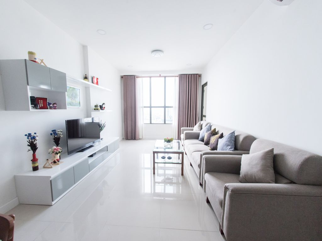 Sai Gon Central Apt/Amazing Rooftop... - HomeAway Nguyễn Thái Bình