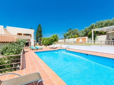 Photo for Casa Di Ilianna! Walking distance to beach! Car free holiday! Children's pool!