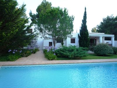 Photo for Beautiful villa special for families with great swimming pool and gardens