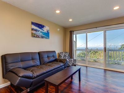 Photo for Dog-friendly oceanview condo with easy beach access & full kitchen!