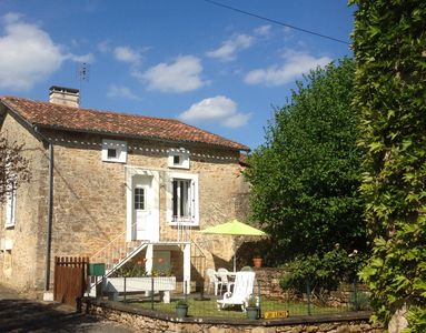 Photo for 2BR House Vacation Rental in Corgnac-Sur-L'isle, Nouvelle-Aquitaine