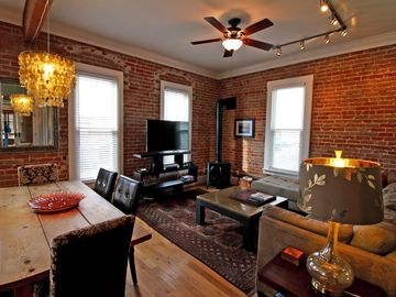Downtown  Renovated Historical Loft/Great Weekend Rates
