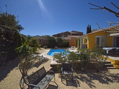 Photo for Detached house with private heated pool and air conditioning, 1 km from Cogolin