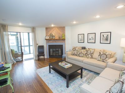 Breathtaking panoramic waterfront views, 15 minute walk to downtown with pool!