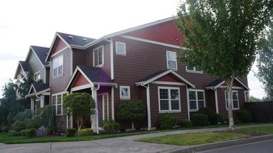 Photo for Spacious SE Olympia townhome, much natural light, 3 bedroom 2 1/2 Bath 2560sf