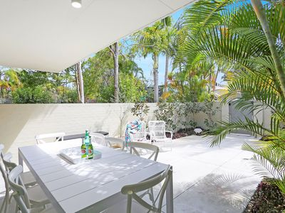 Photo for Great location, short walk to Hastings Street & Main Beach. Private courtyard