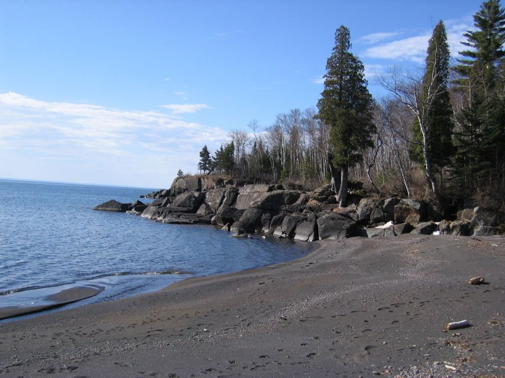 Property Image#4 Romantic Cabin Only Private Black Sand Beach On Lake  Superior (
