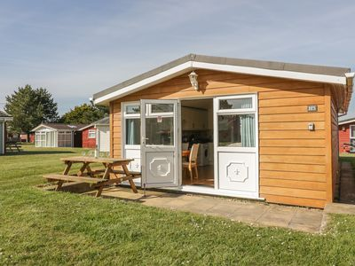 Photo for CHALET H5, family friendly, with a garden in St Merryn, Ref 955704