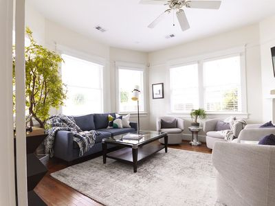 (A3)StepsAway Historic Charm + Modern Luxury, 1 block to King St, Porch and Parking