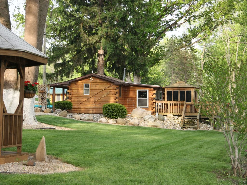 Morels on the wabash sleeps 4 romantic riv homeaway for Michigan romantic cabins