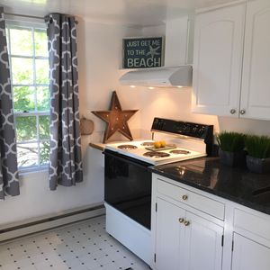 Darling Apartment In The Heart Of Dock Square, Kennebunkport Maine