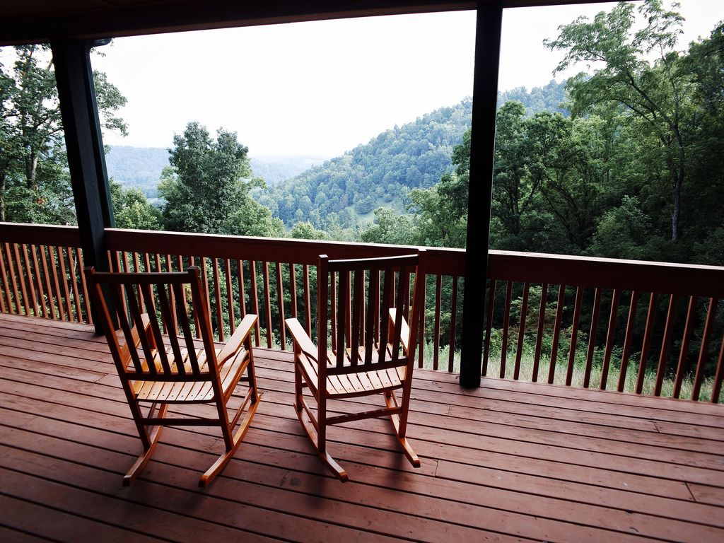 luxury sky lodge with breathtaking views on vrbo huge deck grill dining table 6 rockers with views to the blue ridge