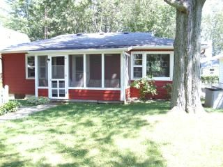 Waterfront Island Cottage, Perfect for fishing/boating