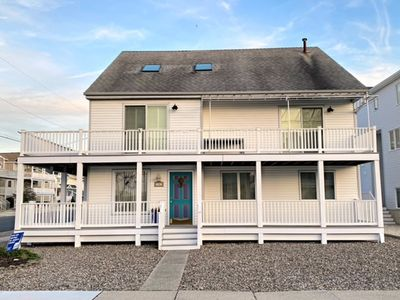 Beautiful First Floor Corner Unit in Townsends Inlet. Large deck. Fully equipped kitchen, Off street parking space in the driveway.