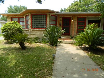 Photo for 2 bed, 2 bath house close to bayfront, parks, downtown and the university