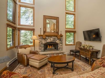 Photo for 4 Bedr Arrowhead, Walk or Free Shuttle to Ski Lift! Community Pool & Hot Tub!