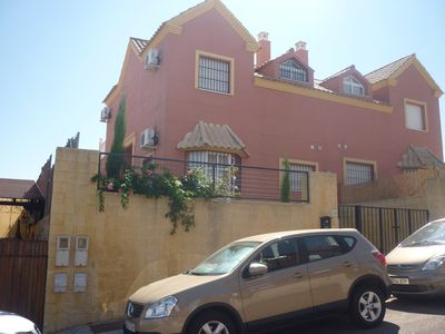 Photo for HOUSE (sleeps 6) 10kms from historic Seville city-centre. 45 mins from beach.