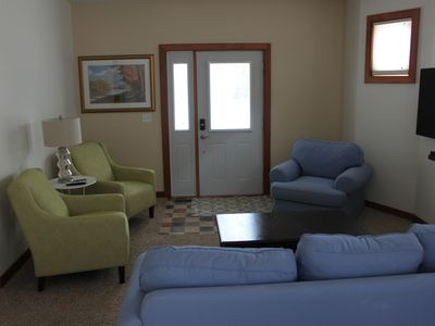 New! Cozy 2-Bedroom ~ Close To Downtown - Sleeps 5