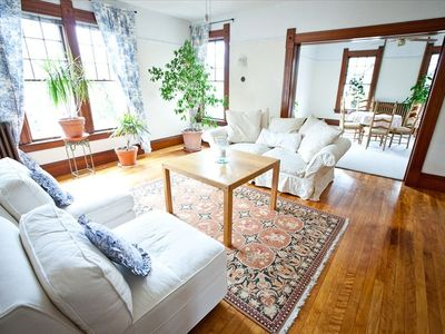 Photo for Victorian Townhouse, Spacious, Bright, Free WiFi, A/C, Heating.