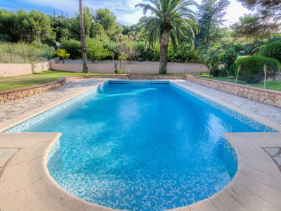 Photo for 4 bedroom Villa, sleeps 8 in Anthéor with Pool, Air Con and WiFi