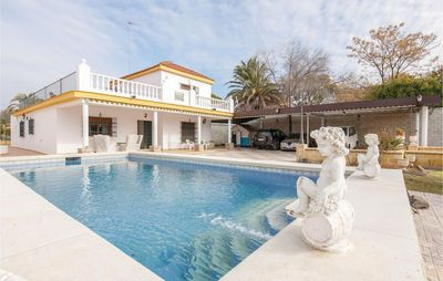 Photo for 9 bedroom accommodation in Espartinas