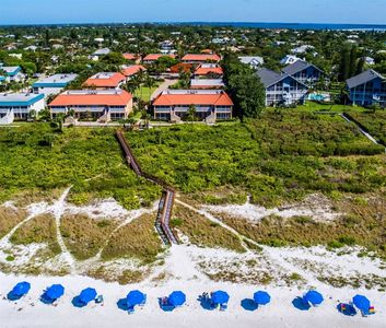 Photo for Sanibel Arms, H3 - Beach Side, 1 Bed/1 Bath