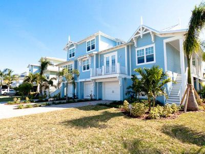 Photo for Welcoming condo moments away from the beach w/ private pool & more!