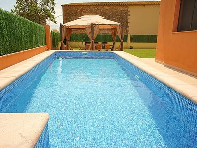 Photo for Charming country house ideal for families, with large garden and pool