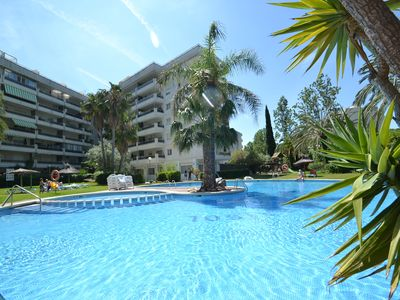 Photo for Jardines Family 4: Air conditioned rental - Family resort with Sw.pool and waterfalls-Salou centre