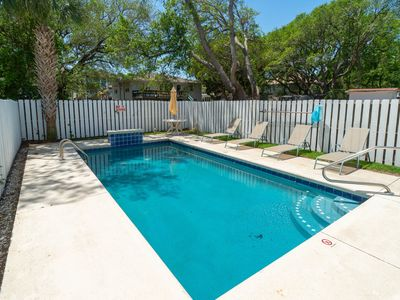 Photo for Nightly Stays Aug-Sept* FREE LINENS! Private Pool, Pet Friendly