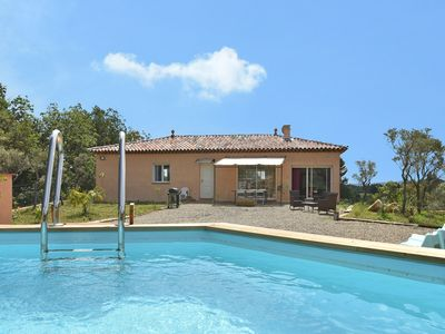 Photo for Single-storey air-conditioned villa with private pool within walking distance of village
