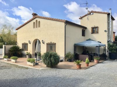 Photo for Charming Cal Dragano among vineyards with pool