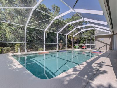 Photo for NEW-3BR/2Bath/Private pool home/prof decorated/central location