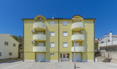 Photo for Apartment near the nature reserve Cape Kamenjak with 2 bedrooms, air conditioning and barbecue