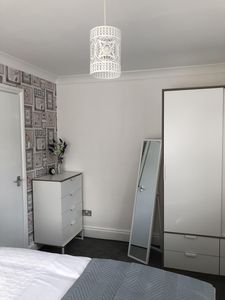 Photo for Modern 2 bed Apartment  near Portsmouth University