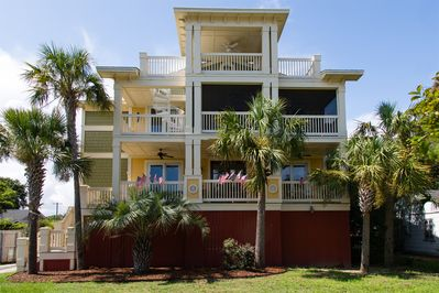 """LUXURY 5-STAR Home!!!  Ocean's Song is an """"Oasis"""" for your vacation."""