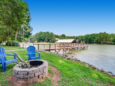 Photo for Great Location!Kayaks, Classic Arcade, Foos ball, SMART TV, fireplace w/ family!