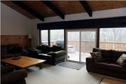 Renovated Chalet with wood burning fireplace at the base of Blue Mountain 718263