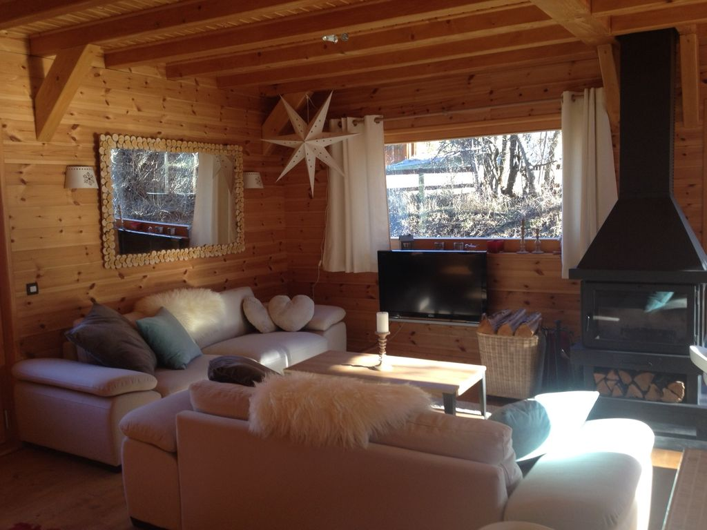 Salon Du Chalet Bois wooden chalet very bright, and a new comfort - allos